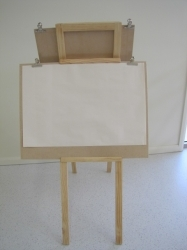 Sliding board easel